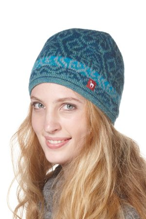 Gevoerde blauwe muts met motief van alpaca wol