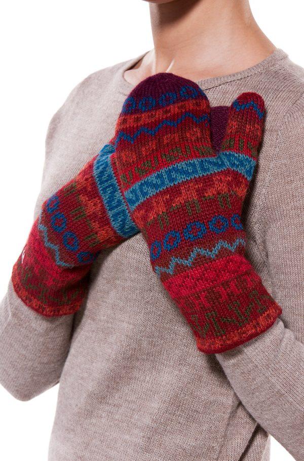 Gevoerde wanten rood blauw motief alpaca wol