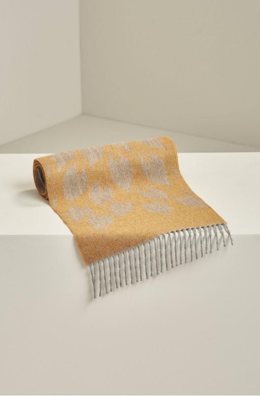 Alpaca wollen shawl mosterdgeel taupe blad motief